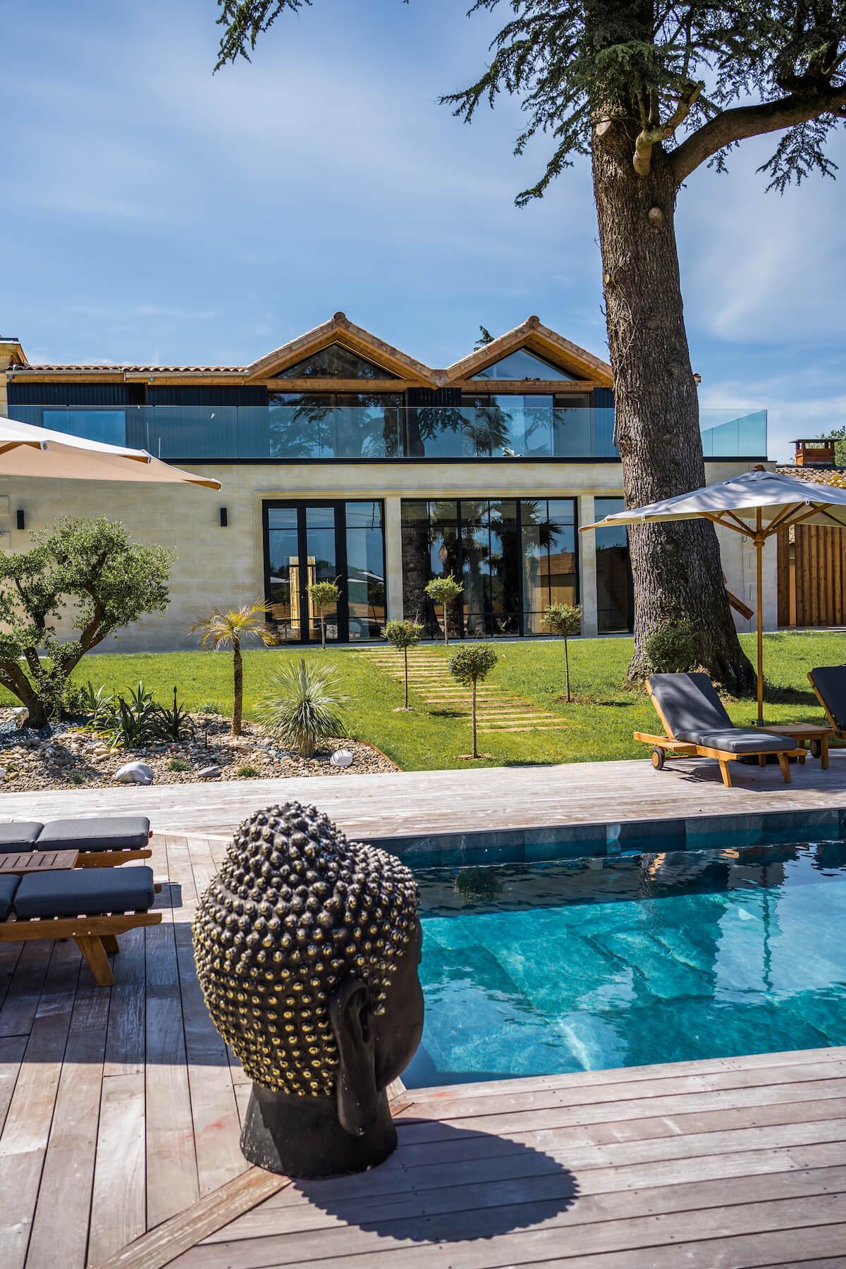 piscine et parc château grand arnaud chambres d'hôtes réception et séminaires bordeaux